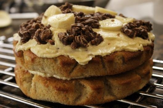 Sticky Banana toffee banoffee cake