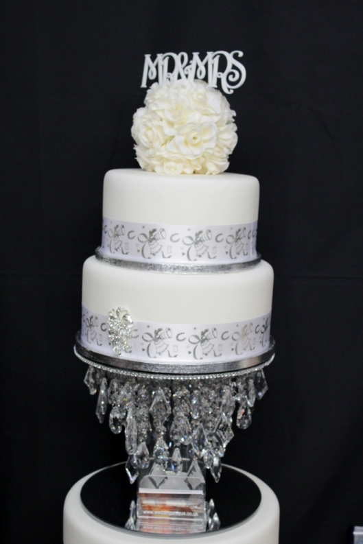 MR & MRS cake decorations