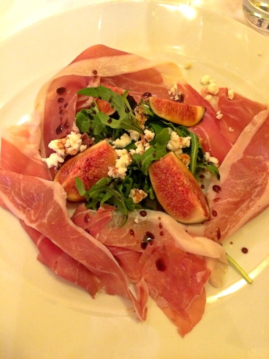 Prosciutto e Fichi parma ham with fresh figs, goat cheese crumbled & aged balsamic