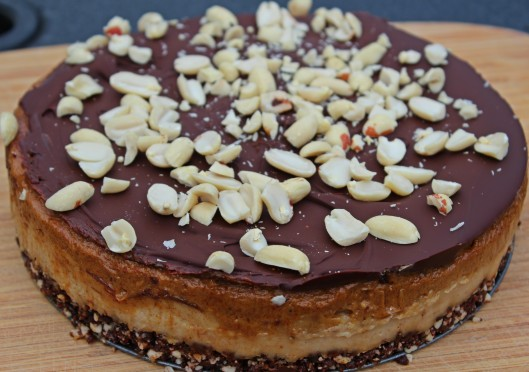 raw-snickers-cake