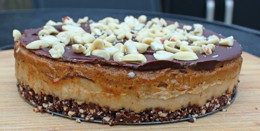 raw-snickers_cake